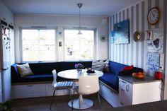 sittebenk på kjøkkenet – Google Søk Corner Desk, Bench, Storage, Furniture, Home Decor, House, Corner Table, Purse Storage, Decoration Home