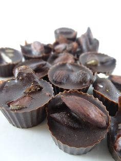 Learn how to Make Raw Vegan Chocolate in #Ubud #Bali at my Upcoming Raw Food Workshop on November 1st. Click for more details :)