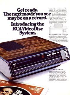 Old Advertisements, Retro Advertising, Retro Ads, Vintage Tv Ads, Vintage Ladies, Radios, Cassette Vhs, Old Technology, Gadgets