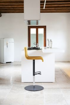 Delicieux Iu0027m 100% Made In Italy From The Hightest Quality Italian Hide And Gas · New  Kitchen DesignsBar Stools ...