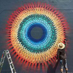 Este artista callejero transforma las calles con caleidoscopios hipnóticos