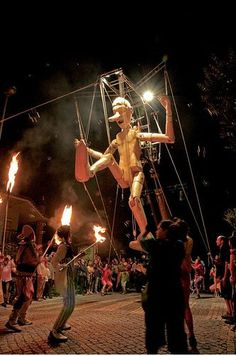 Street Theatre, Huge Marionette (Place & Event Not Listed)