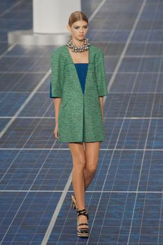 simple, clean & grass green (Chanel 2013)