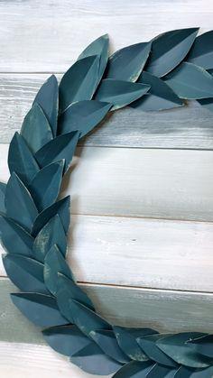 Diy Art, Diy Wall Art, Diy Wall Decor, Paper Wall Decor, Paper Crafts Origami, Scrapbook Paper Crafts, Diy Paper, Fall Paper Crafts, Paper Flower Wreaths