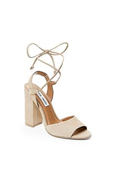 b05a37f0b26 Comfy-Chic Wedding Shoes To Dance The Night Away In