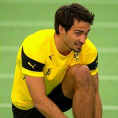 Mats Hummels Germany Soccer Team, Mats Hummels, German People, Mr Perfect, Hiding Places, Best Player, Psg, Polo Ralph Lauren, Fashion Styles