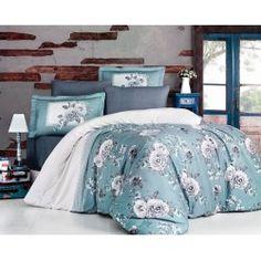 Una dintre cele mai de lux  este gama Satin Bumbac , cunoscuta si ca Satin Deluxe. Lenjeriile din aceasta gama ofera un confort exceptional datorita materialului de inalta calitate si foarte fin la atingere. De asemenea, tesatura este foarte rezistenta atat la rupere cat si la decolorare, imprimeul fiind realizat cu o tehnologie de ultima generatie. Living Styles, Furniture Companies, Bed Sheets, Home And Living, Bedding Sets, Comforters, Household, Blanket, Bedroom Products