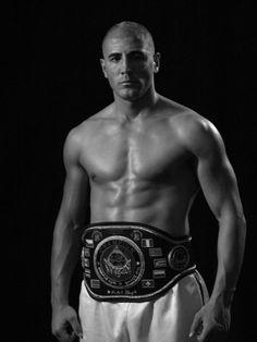 Bicampeón mundial Kick Boxing y Thaiboxing
