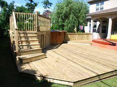 Plate-forme et deck de piscine en bois traité Screened In Porch, Wood Design, Stables, Trellis, Plate, Wall Decor, Outdoor Decor, Home Decor, Gardens