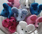 Photo - Her Crochet Crochet Mouse, Cute Crochet, Crochet Dolls, Crochet Baby, Yarn Projects, Crochet Projects, Amigurumi Patterns, Crochet Patterns, Mouse Crafts