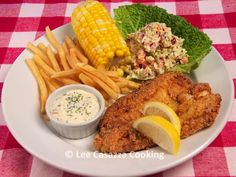 Izetta's Southern Cooking: SOUTHERN FRIED FISH DINNER WITH HOMEMADE TARTAR SA...