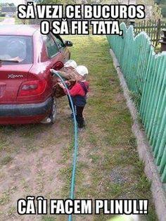 Bucurie pentru tata! - Viral Pe Internet Memes Estúpidos, Humor Grafico, Instagram Images, Instagram Posts, Outdoor Power Equipment, Funny, Politics, Lol, Internet