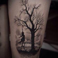 15 wundervolle schaukel tattoos tattoo baum tattoo. Black Bedroom Furniture Sets. Home Design Ideas