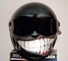 Cascos de moto muy creativos 3   Quiero más diseño Motorcycle Helmet Design, Custom Motorcycle Helmets, Custom Helmets, Motorcycle Style, Motorcycle Gear, Custom Bikes, Women Motorcycle, Cool Motorcycles, Vintage Motorcycles