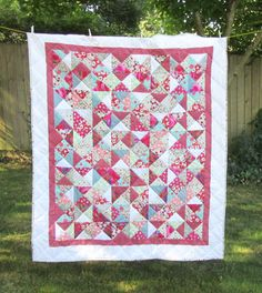 Bobbing along … Hand Stitching, Gypsy, Quilts, Scrappy Quilts, Quilt Sets, Log Cabin Quilts, Quilting, Quilt, Afghans