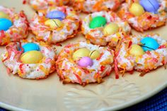 The Sweets Life: Almond M&M Easter Nests--can also use Hershey's eggs Easter Candy, Hoppy Easter, Easter Treats, Easter Food, Peeps Recipes, Easter Recipes, Holiday Recipes, Yummy Easy Snacks, Yummy Yummy