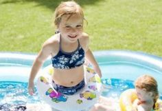 How to clean a blow up kiddie pool (if using vinegar try 3 cups mixed with 3 cups water)