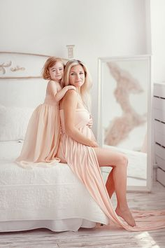 Blush Mommy and daughter set/jersey maternity gown/chiffon girl gown with lining