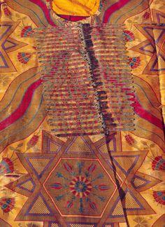 Орнамент и стиль в ДПИ - Silks for the Sultans - текстиль из музея Топкапы, Стамбул