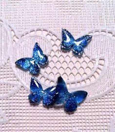 銀河×蝶ピアス Polymer Resin, Uv Resin, Resin Molds, Resin Art, Make Your Own Jewelry, Jewelry Making, Shrinky Dinks, Resin Casting, Shrink Plastic
