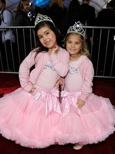 Sophia Grace and Rosie are so adorable and so entertaining ...