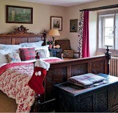 English bedroom at Christmas