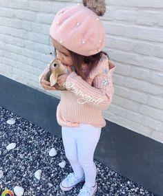 Fashion kids outfits beanie ideas for 2019 Cute Kids Fashion, Little Girl Fashion, Toddler Fashion, Boy Fashion, Cute Baby Girl Outfits, Toddler Girl Outfits, Bebe Love, Outfits Niños, Toddler Girl Style