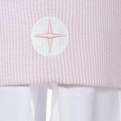 """Betthimmel """"Pink Sky"""". Kollektion für Mädchen aus Seersucker in Rosa-Weiß gestreift. 100% Baumwolle kombiniert mit hochwertigen Satin oder Waffelpique und feinen Satinpaspeln."""