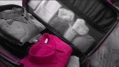 Vivo così coi sogni piegati in valigia mischiati ai vestiti da scena #viaggiare#valigia#siparte#bologna#rimini#ravenna#ferrara#emiliaromagna#mancapoco#travelling#pullman#iotiaspetto#musica#likeforlike#followme#italy by _miranda_25_