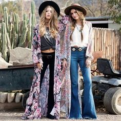 On the off chance that you need to make a splendid and eye-getting look for yourself or for your lovely home, go for bohemian & hippie style ideas. Boho Gypsy, Bohemian Mode, Hippie Boho, Bohemian Style, Boho Chic, Bohemian Fashion, Bohemian Outfit, Bohemian Pants, Hippie Style