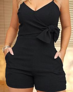 Spaghetti Strap Bowknot Design Romper Source by ayleencerdas women Chor, Rompers Women, Cute Outfits, Summer Outfits, Fashion Outfits, Womens Fashion, Swagg, Curvy Fashion, Pattern Fashion