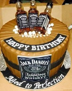 Birthday Cake Ideas For 35 Year Old Man #BirthdayCakes http://ift.tt/2BqLgSr