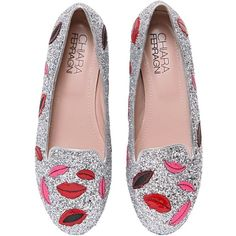 CHIARA FERRAGNI 10mm Lips Glitter Loafers (3 065 SEK) ❤ liked on Polyvore featuring shoes, loafers, flats, flat shoes, silver, flat pumps, metallic flat shoes, loafers flats, glitter flats and loafers & moccasins