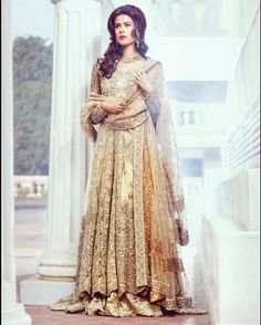 Bridal inspiration #Repost @pakistanvogue The @suffusebysanayasir Falaknuma Bridal Couture collection is absolutely stunning! Model: @lailaalikhan #iceblue#wedding #falaknuma #collection#fashion#asian#bridalstyle#wedding# by aliaraffia