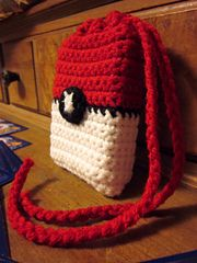 Ravelry: Pokeball Deck Bag pattern by Pam Gabriel