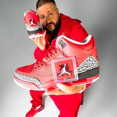 @DJKhaled has just announced his Air Jordan 3 'Grateful' colab! You can go in the draw to win a limited pair by preordering his upcoming album. #sneakerfreaker #snkrfrkr #djkhaled #grateful #airjordan #airjordan3 #jordan #jumpman #stillinthemeeting  via SNEAKER FREAKER MAGAZINE OFFICIAL INSTAGRAM - Fashion  Advertising  Culture  Beauty  Editorial Photography  Magazine Covers  Supermodels  Runway Models