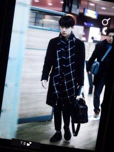 141202 Kyungsoo reach HK airport! (: