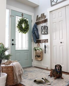 Feb 2020 - 49 Rustic Hallway Decorating Ideas Entryway Wall Decor Ideas - Seven Steps to Your Superb Entry-way Country Front Door, Front Door Entryway, Entryway Wall Decor, Entrance Foyer, House Front Door, Front Door Decor, Small Entrance Halls, Entryway Coat Hooks, Entrada Frontal