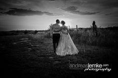 Wedding Sunset www.hochzeitsfotografie-berlin.org #wedding #weddings #weddingphotographer #sunset #weddingcouple #hochzeit #hochzeitsfotograf #hochzeitsfotografberlin #brautpaar #brautpaarshooting
