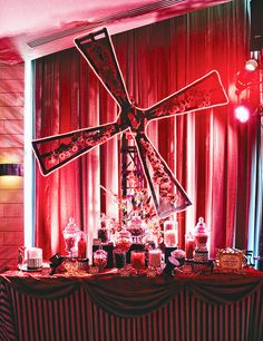 Moulin Rouge Themed Party. I'm in love!
