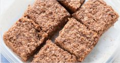 These healthy quinoa breakfast bars are the perfect way to start your day. They're flourless, packed full of fiber + protein and sweetened with banana.
