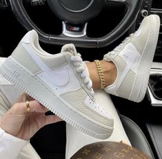 Cute Nike Shoes, Nike Air Shoes, Sneakers Nike, Jordan Shoes Girls, Girls Shoes, Shoes Women, Air Force 1, Nike Air Force, Trendy Shoes