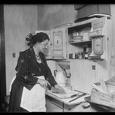 Kansan woman recalls her grandma using her apron as an all-purpose pot-lifter, apple carrier, chick rescuer, signal, and shawl during the depression era. - Capper's Farmer Magazine