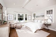 View 20 photos of this $7,950,000, 5 bed, 6.0 bath, 5500 sqft single family home located at 375 Santa Rita Ave, Menlo Park, CA 94025 built in 2005. MLS # ML81637133.