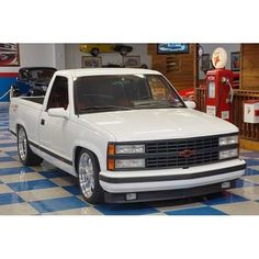 In search of a white 454 SS 92-93 yr dnt matter as long as its white if anyone has one or knows of anyone ...