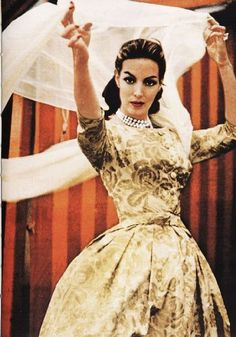 """Maria Felix """"La Dona"""" Mexican actress Beloved by her fans, her beauty speaks for… Vintage Glamour, Vintage Beauty, Vintage Fashion, Divas, Yves Montand, Jean Gabin, Mexican Actress, African Culture, Hollywood Glamour"""