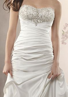 2360 by Alfred Angelo,