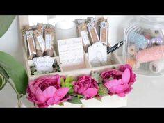 Vous êtes nombreuses à avoir peur que vos invités de mariage s'embêtent à table. J'ai donc créé cette box avec dedans des animations pour faire passer le temps pendant le repas. Des questions pour apprendre à se connaître, des étiquettes pour laisser des messages aux mariés...