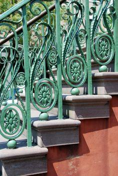 Charleston. charlestonjewelryandgifts.com
