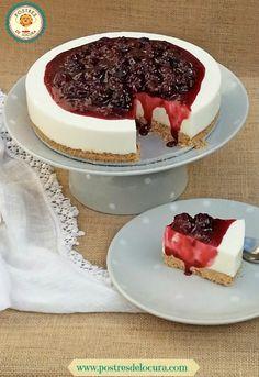 Tarta de queso sin horno con cobertura de moras. No bake cheesecake.